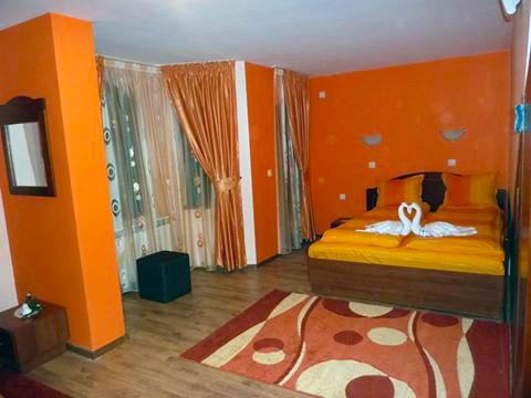 Къща за гости Джоголанов - снимка 10