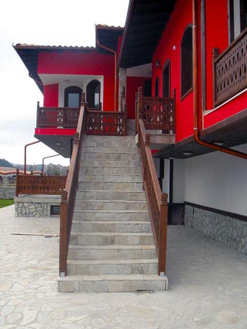 Къща за гости Джоголанов - снимка 14