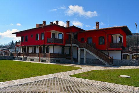Къща за гости Джоголанов - снимка 1