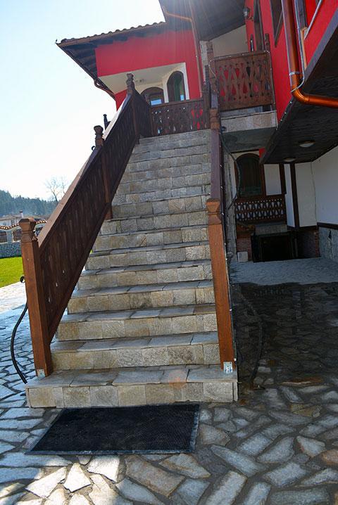 Къща за гости Джоголанов - снимка 4