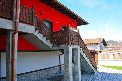 Къща за гости Джоголанов - снимка 5