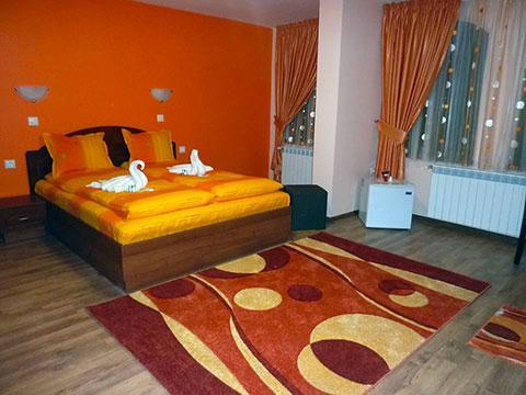 Къща за гости Джоголанов - снимка 9