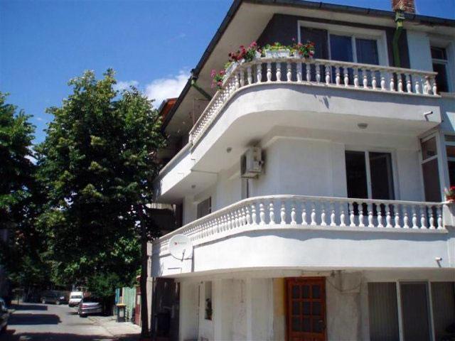 Къща Ная - снимка 1