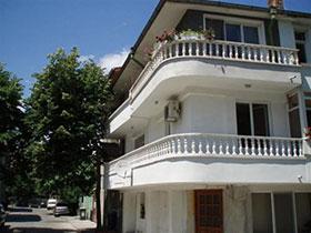 Къща Ная