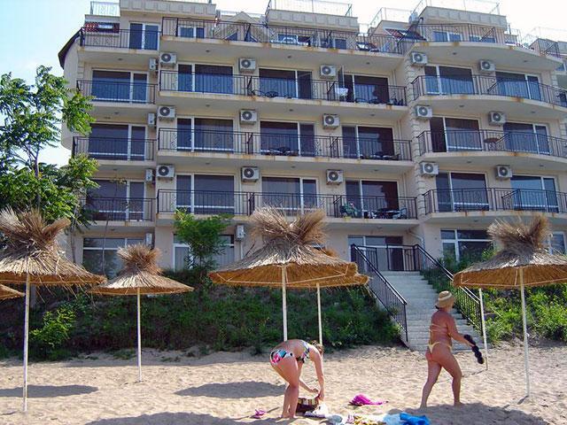 Вила Лазурен бряг - снимка 8