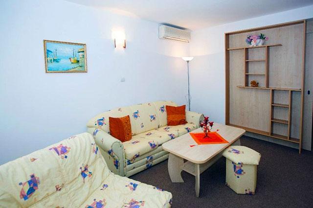Къща за гости Гранат - снимка 13