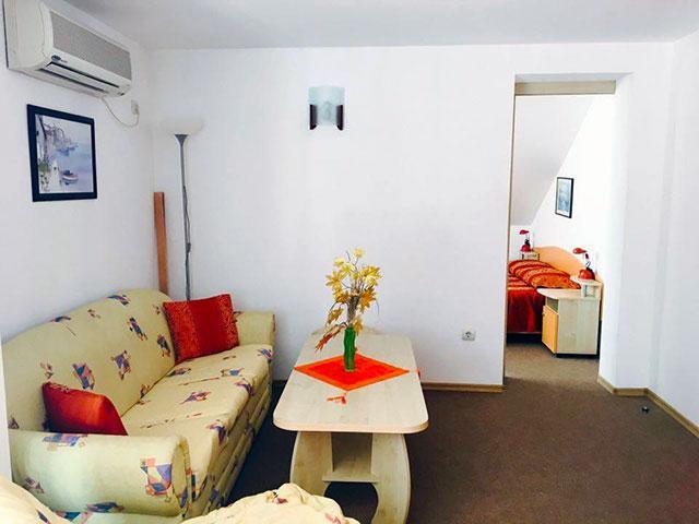 Къща за гости Гранат - снимка 1