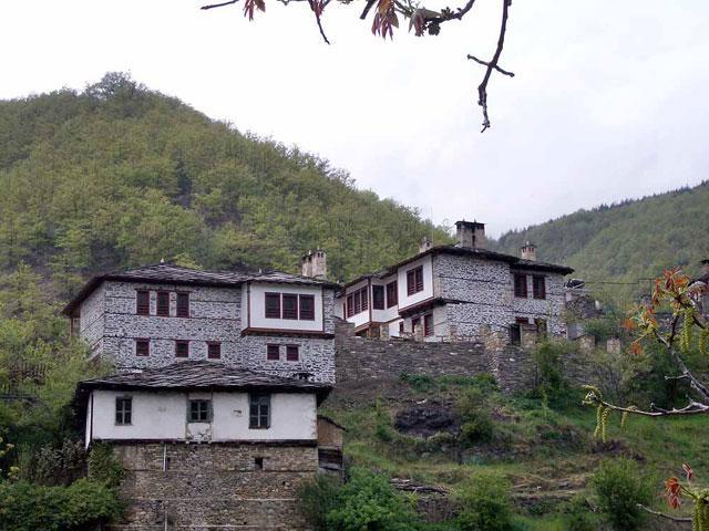 Комплекс Косовските къщи - снимка 1